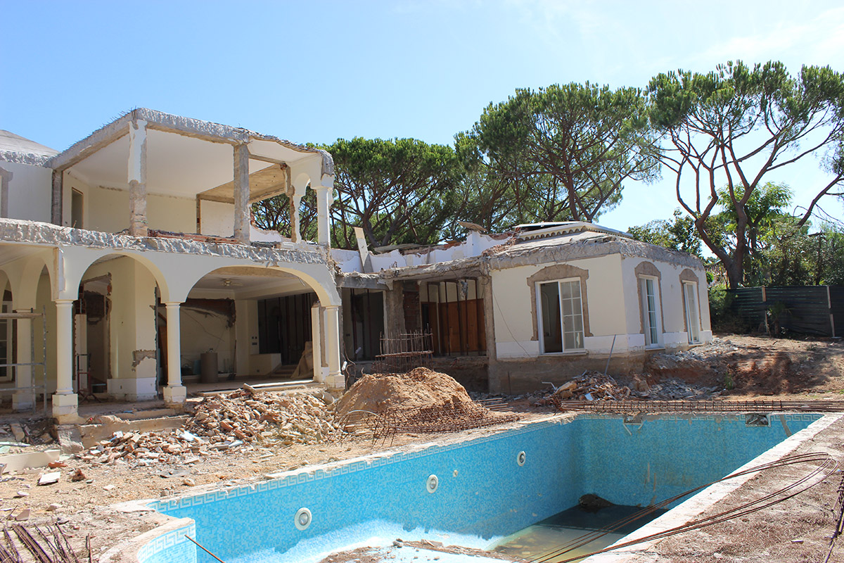 Full Villa Refurbishment in Pinheiros Altos